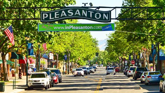 Pleasanton-Downtown-Sign-001