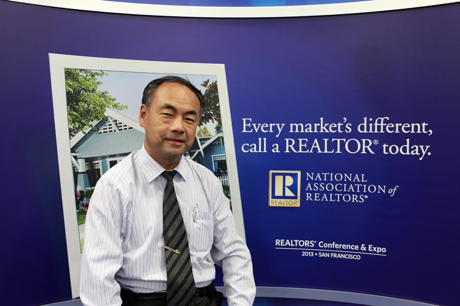 Robert-Realtor-Expo-SF-2013002